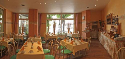 A restaurant or other place to eat at Hotel Residenz