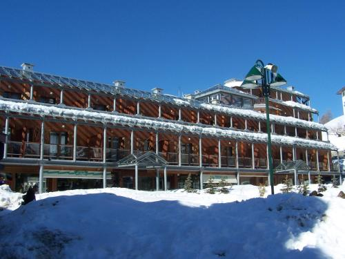 Hotel Il Fraitevino during the winter