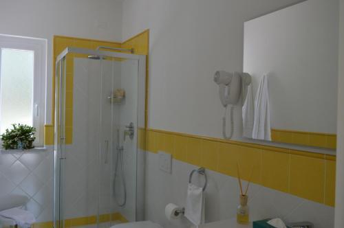 A bathroom at Hotel Terme Alexander