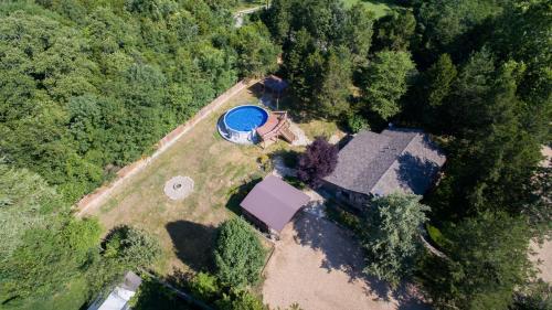 A bird's-eye view of Lees Secret Garden Home
