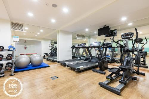 The fitness center and/or fitness facilities at Dom Jose Beach Hotel (Plus)