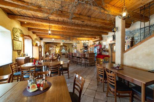 Restavracija oz. druge možnosti za prehrano v nastanitvi Rooms Herman