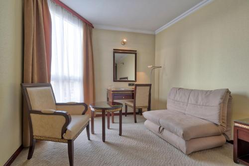 Гостиная зона в Hotel Bosna AD