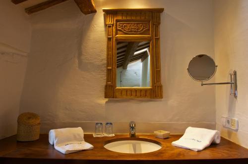 Un baño de Alcaufar Vell Hotel Rural & Restaurant