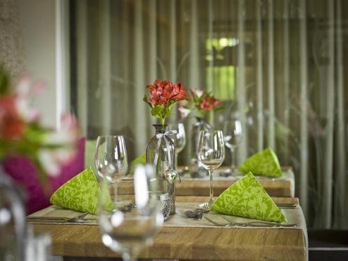Ein Restaurant oder anderes Speiselokal in der Unterkunft Hotel Reinerhof