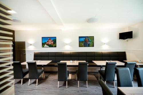 The lounge or bar area at Hotel Hüerländer