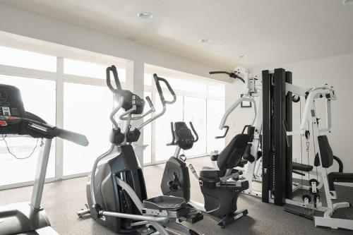 The fitness center and/or fitness facilities at Lighthouse Oceanfront Resort