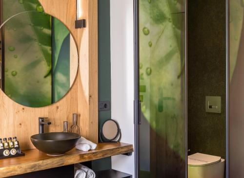 Ванная комната в Artion City Boutique Hotel