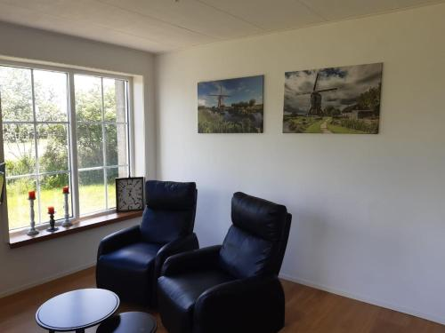 A seating area at LodderLogies