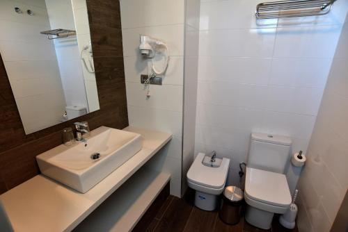 Un baño de TC Hotel Doña Luisa