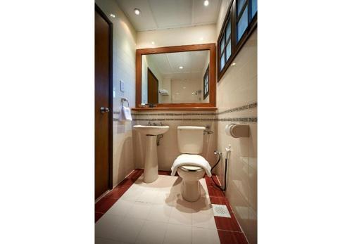A bathroom at Redang Island Resort