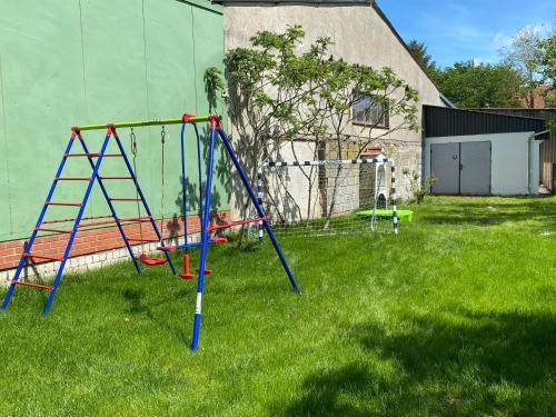 Ein Kinderspielbereich in der Unterkunft Fewo Barth