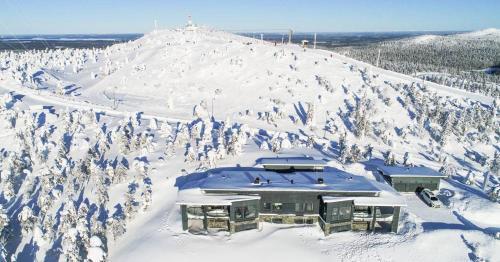 Rukavuorenhuippu Apartment during the winter