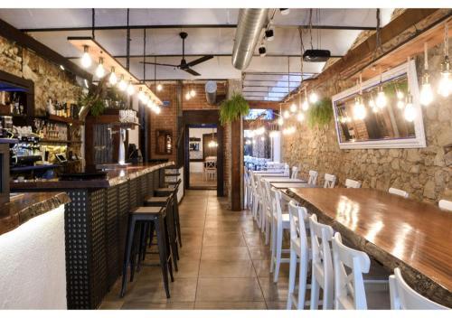 Un restaurante o sitio para comer en L'Hostalet de Canet
