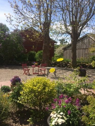 Ein Garten an der Unterkunft Gästehaus Muhl