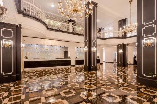 The lobby or reception area at Hotel Retlaw, Trademark Collection by Wyndham