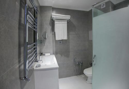 Um banheiro em Yurd Hotel