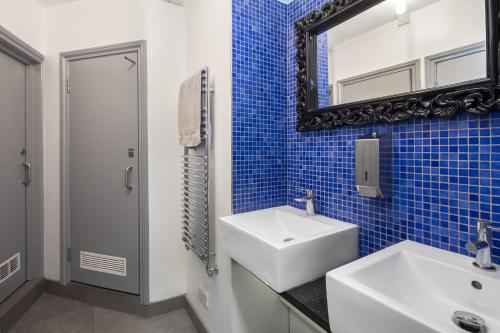 Un baño de Astor Museum Hostel