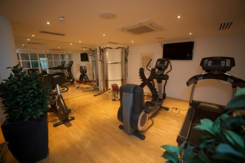 The fitness center and/or fitness facilities at Hotel Schlosskrone