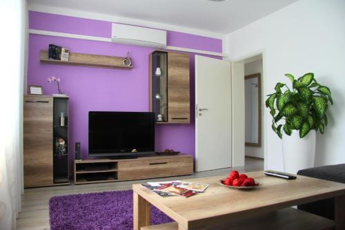 Geräumige 4 Zimmer Wohnung an den Kaiserthermen