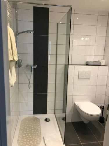 A bathroom at Hotel International am Theater