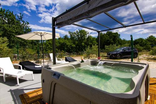 Grande Glamping with Pool