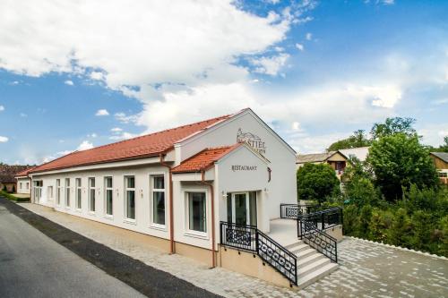 Kaštieľ Penzion & Restaurant