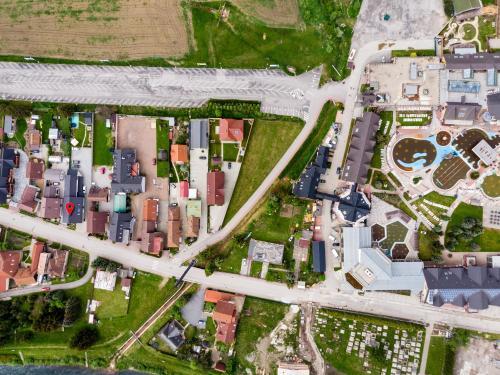 Letecký snímek ubytování Vila Ajka
