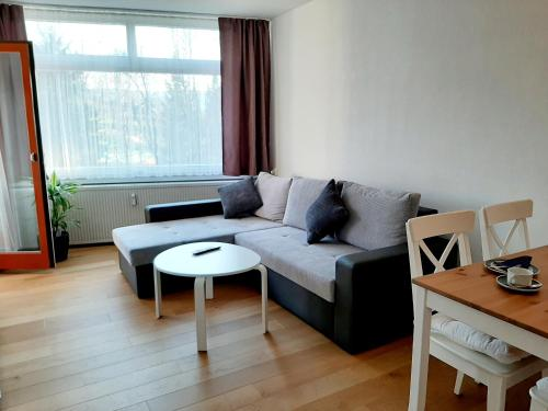 A seating area at Apartment Anja