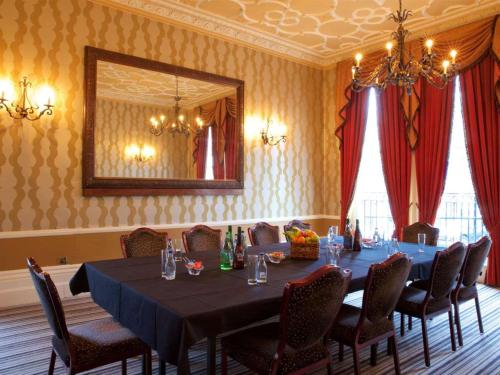 A restaurant or other place to eat at Liverpool Aigburth Hotel, Sure Hotel Collection by BW