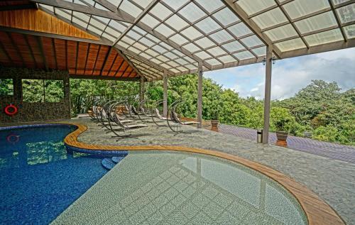 The swimming pool at or near El Establo Mountain Hotel