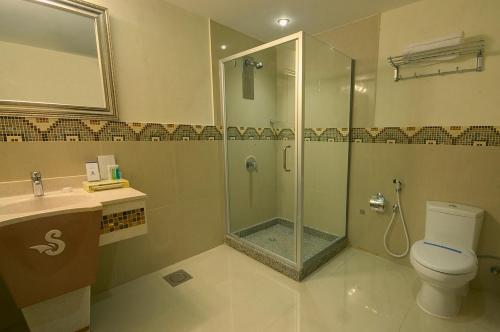 Um banheiro em Sanam Hotel Suites - Riyadh