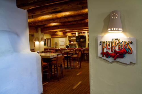 A restaurant or other place to eat at Courtyard Page at Lake Powell