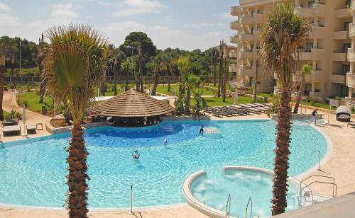 Basen w obiekcie Protur Biomar Gran Hotel & Spa lub w pobliżu