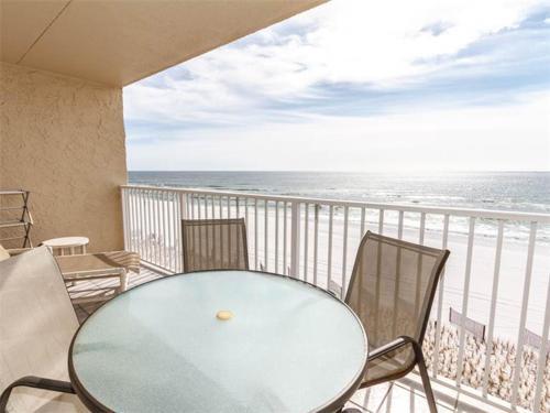 A balcony or terrace at Island Echos 4th-5th Floor Condos