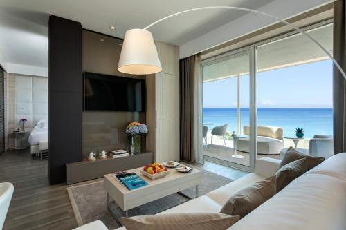 A seating area at Almar Jesolo Resort & Spa