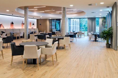 Een restaurant of ander eetgelegenheid bij Hotel Den Briel