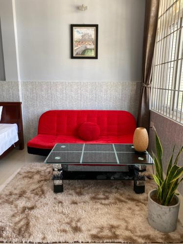 A seating area at Hue Sweethouse Homestay