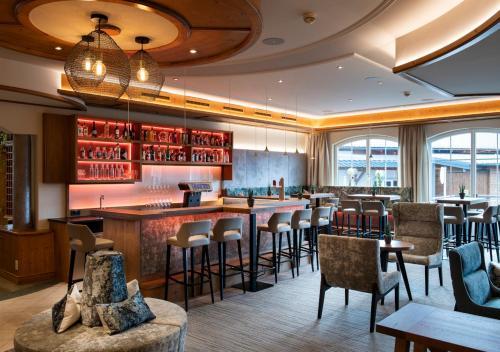 The lounge or bar area at Hotel Königgut