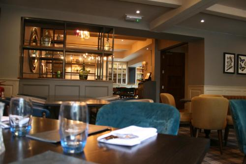 The lounge or bar area at Best Western Plus Angel Hotel