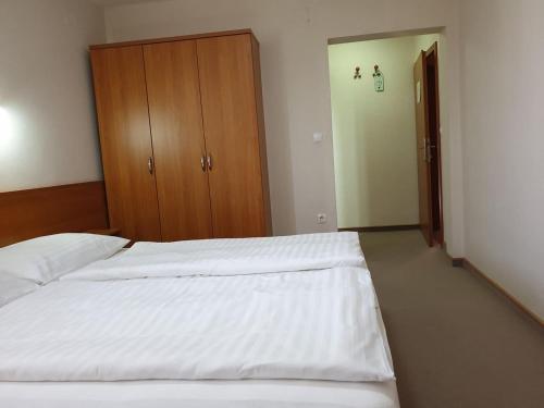 Posteľ alebo postele v izbe v ubytovaní Dežman Bed & Breakfast