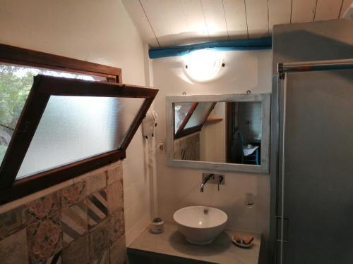 A bathroom at Agriturismo Codula Fuili