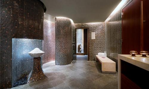 A bathroom at The Peninsula Tokyo