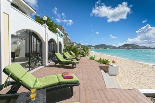 Dream Villa Simpson Bay Beachfront 650