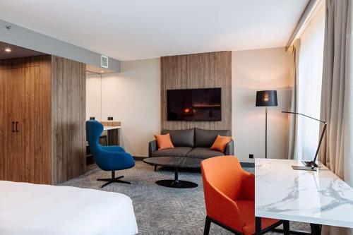 A seating area at Radisson Blu Daugava Hotel, Riga