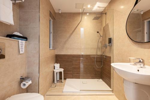 Un baño de Pergola Hotel & Spa