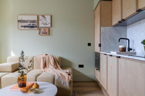 A kitchen or kitchenette at Locke at Broken Wharf