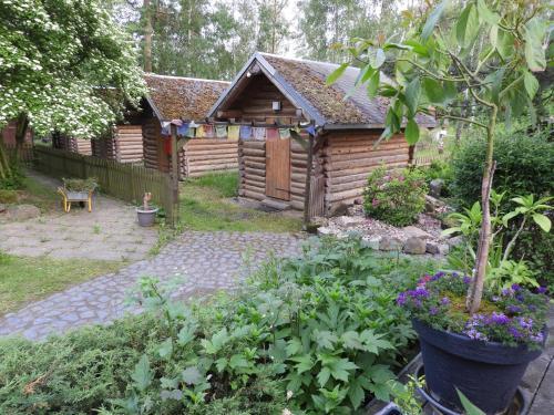 Birkenhof Ashram Familien Blockhütten
