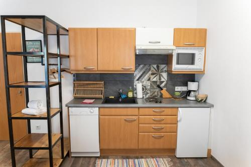 A kitchen or kitchenette at Living inStein