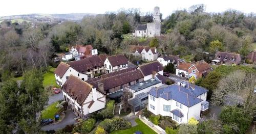 A bird's-eye view of Best Western Plus Old Tollgate Hotel